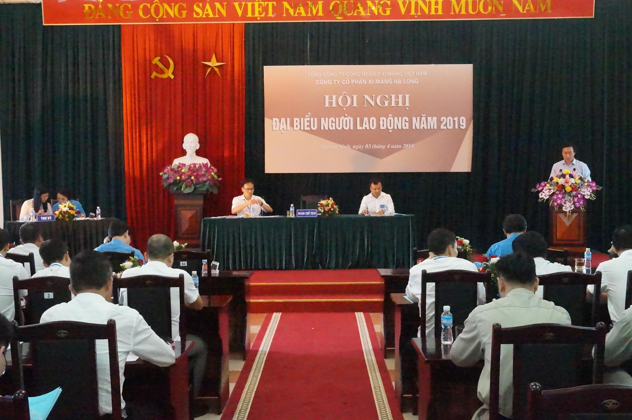 Hội nghị người lao động Công ty cổ phần xi măng Hạ Long năm 2019.